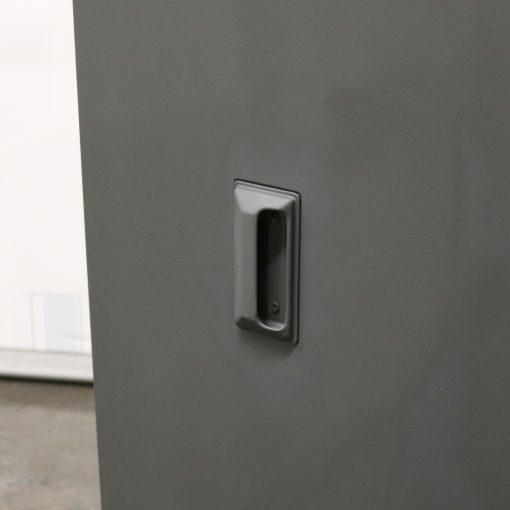 Finger pull handle on a window shutter