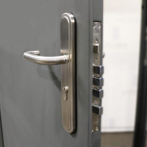 Container HOOPLY door handle & sashlock