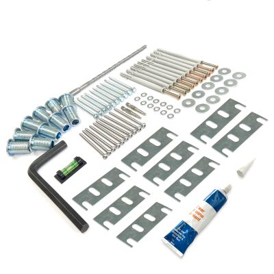 Angled fixing kit with shims